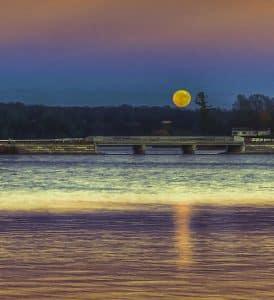 Moon over Croton Causeway